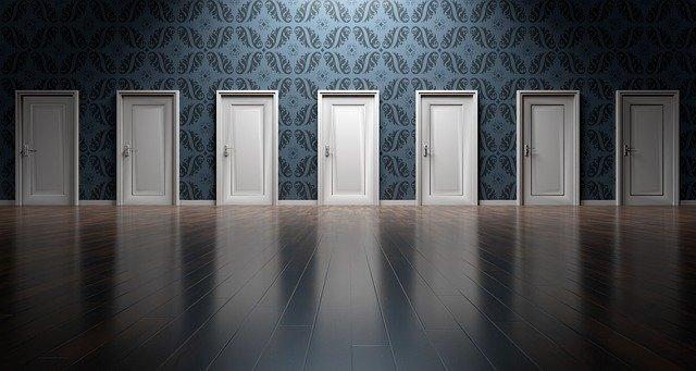 Operation of the advertising business door to door